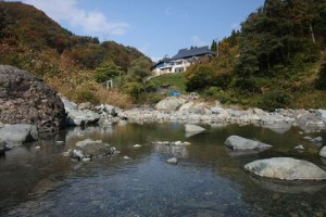 切明の野天風呂  (10月21日撮影)