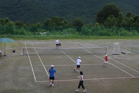 緑のテニス・スクール