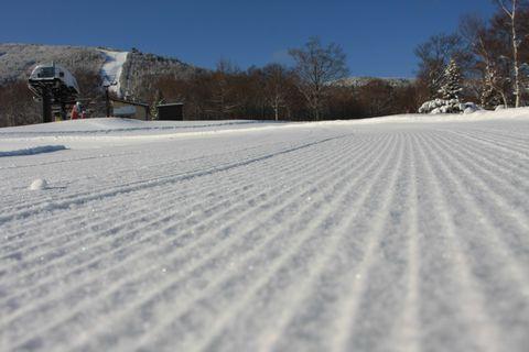 圧雪の跡も清々しく     12月15日朝 撮影