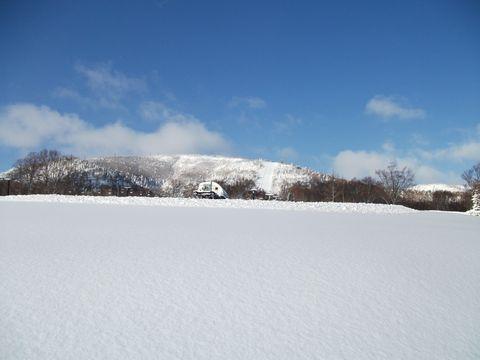 今朝7時の奥志賀スキー場  3月30日撮影