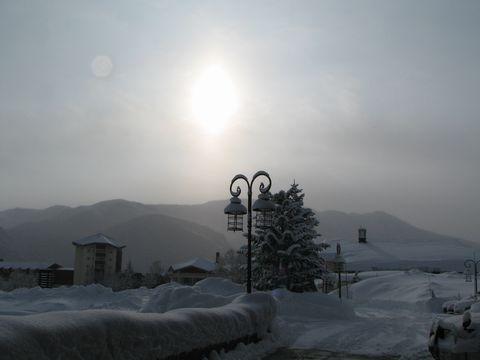 岩菅山の朝日          2月12日早朝 撮影