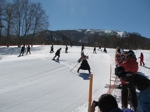 うるわしきかな 雪上の舞い        2月21日撮影