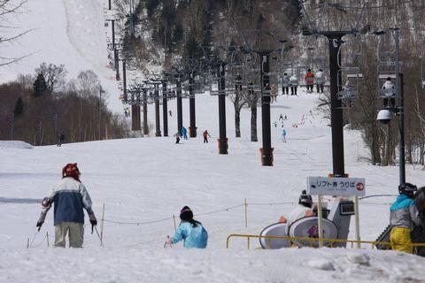 2月のような4月末の奥志賀スキー場    4月29日撮影