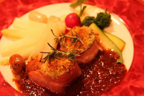 ハンガリー産 野うさぎの香草パン粉焼き/赤ワインヴィネガー・ソース