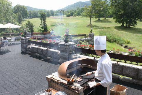 高原に香ばしい煙が流れます        8月9日撮影