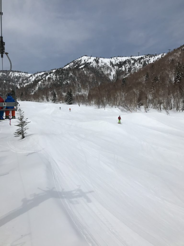 雪上障害物競争